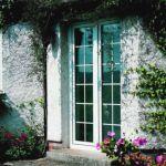 фото алюминевые распашные двери для котеджа