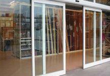 фото автоматические раздвижные двери алюминевые в складскую зону