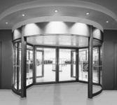 фото карусельные двери для гипермаркета