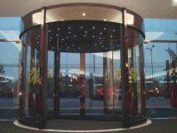 фото карусельные двери для гостинницы