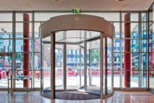 фото карусельные двери для картинной галереи