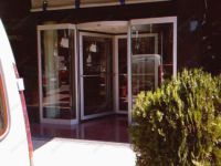 фото карусельные двери для магазина одежды