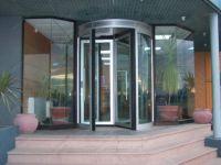фото карусельные двери для ресторана