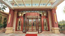 фото радиусные карусельные двери