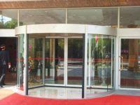 фото радиусные автоматические двери для гостинницы