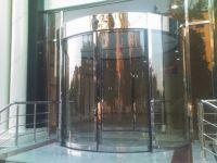 фото радиусные автоматические двери для отеля