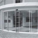 фото радиусные автоматические стеклянные двери
