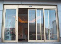 фото телескопические раздвижные алюминиевые двери