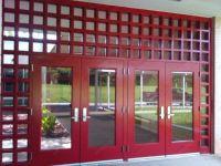 фото металлические двухстворчатые двери со стеклом