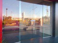 фото автоматические раздвижные двери (стеклянные) для ресторана