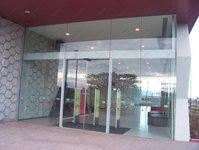 фото автоматические раздвижные двери (стеклянные) для торгового центра