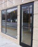 фото распашные двери входные для кафе