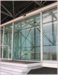 фото стеклянные входные двери из металлопластика