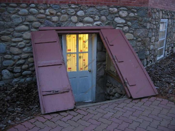 Вход в подвал с улицы в частном доме своими руками фото