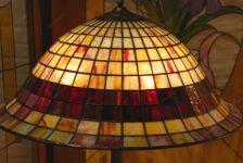 фото лампа с витражами