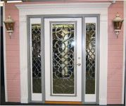 фото входная дверь с витражами