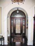 фото входные двери с витражами
