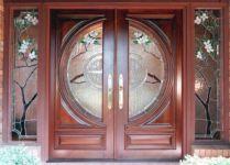 фото входные двери витраж