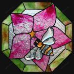 фото витраж пчела