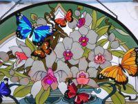 фото витраж с бабочками