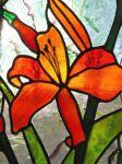 фото витраж с лилиями