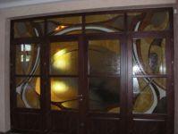 фото витражные стекла в дверь