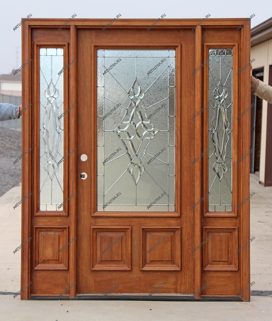 входные распашные двери в металлическом профиле