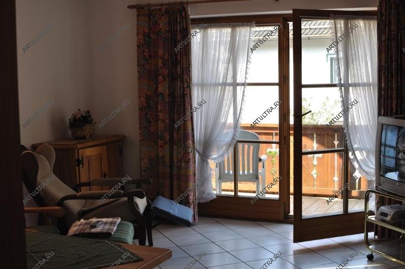 Перегородка между балконом и комнатой..