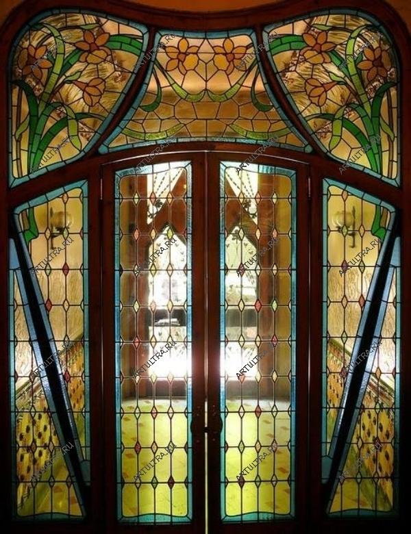красивые входные двери витраж