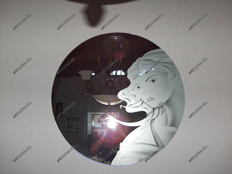 Пескоструйные узоры на зеркале в зале