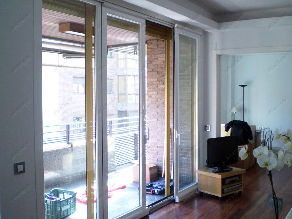Раздвижные стеклянные двери на балкон - все фотографии.