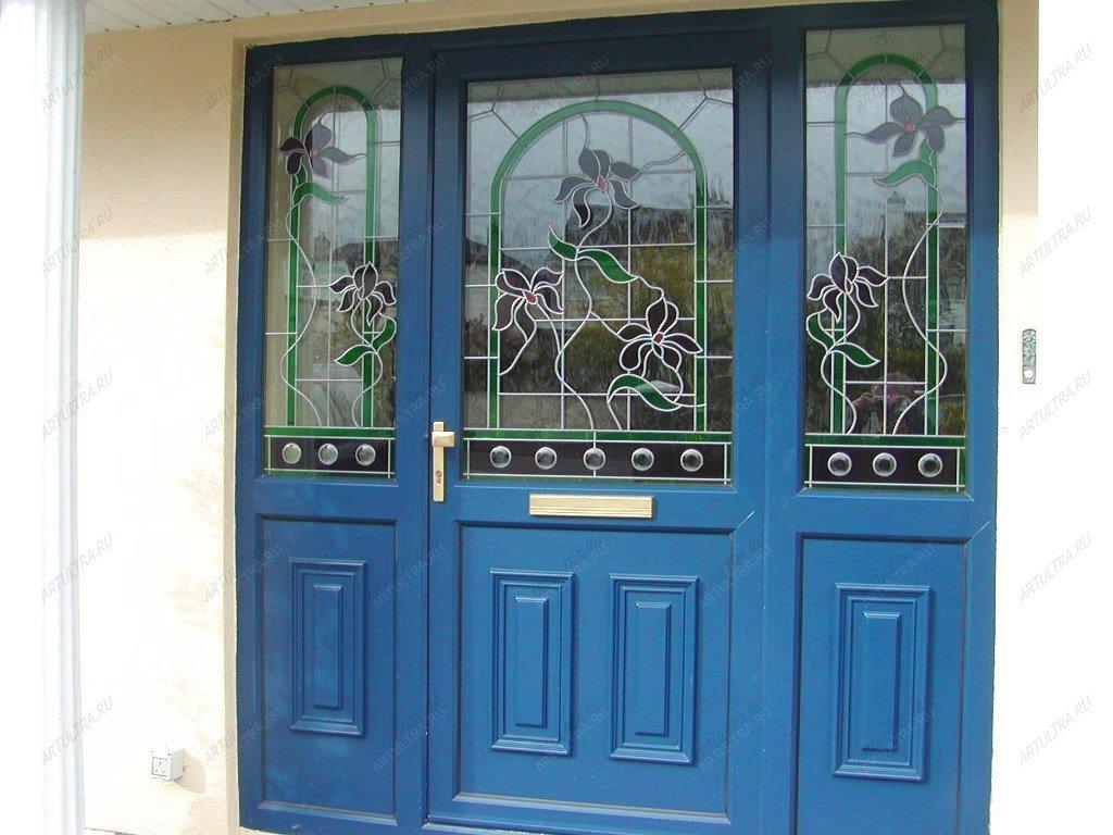 распашные входные двери в загородный дом