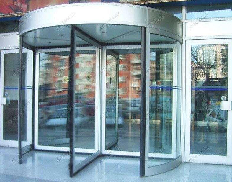 двери для входной группы в торговый центр