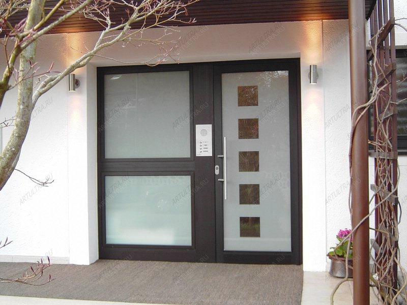 металлические входные двери в жилой дом