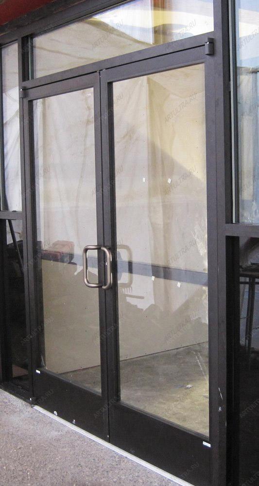 входные уличные двустворчатые остекленные двери
