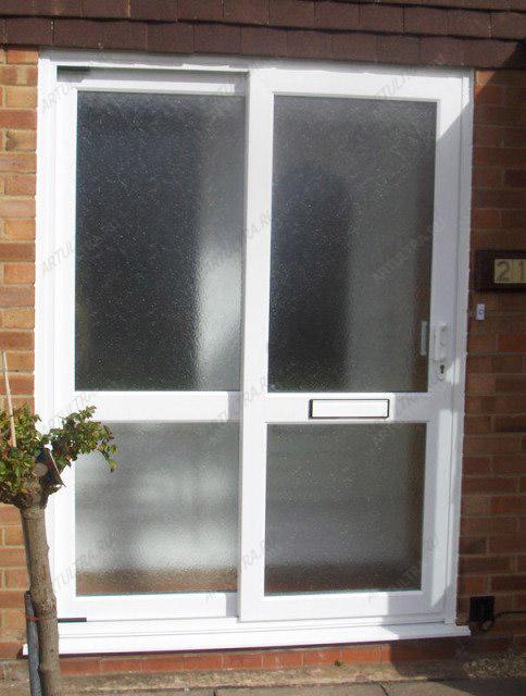 установка входных п в х дверей в загородном доме