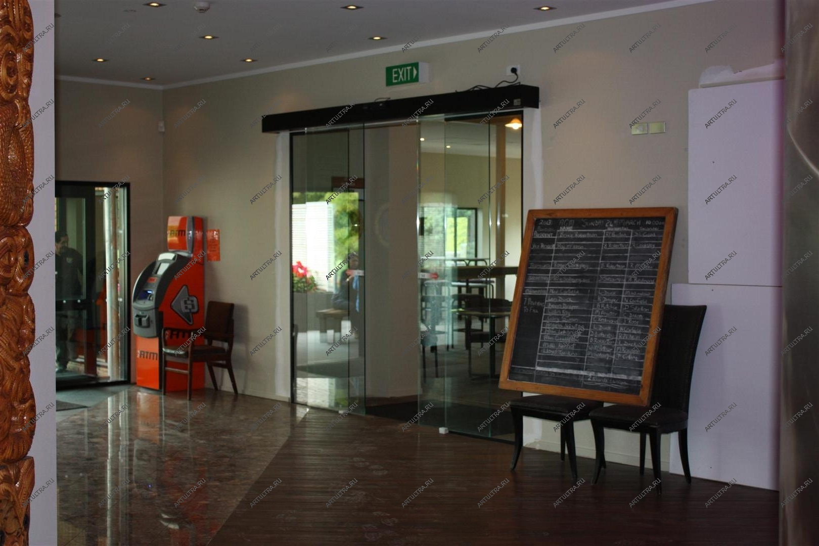 изготовление входных дверей для кафе