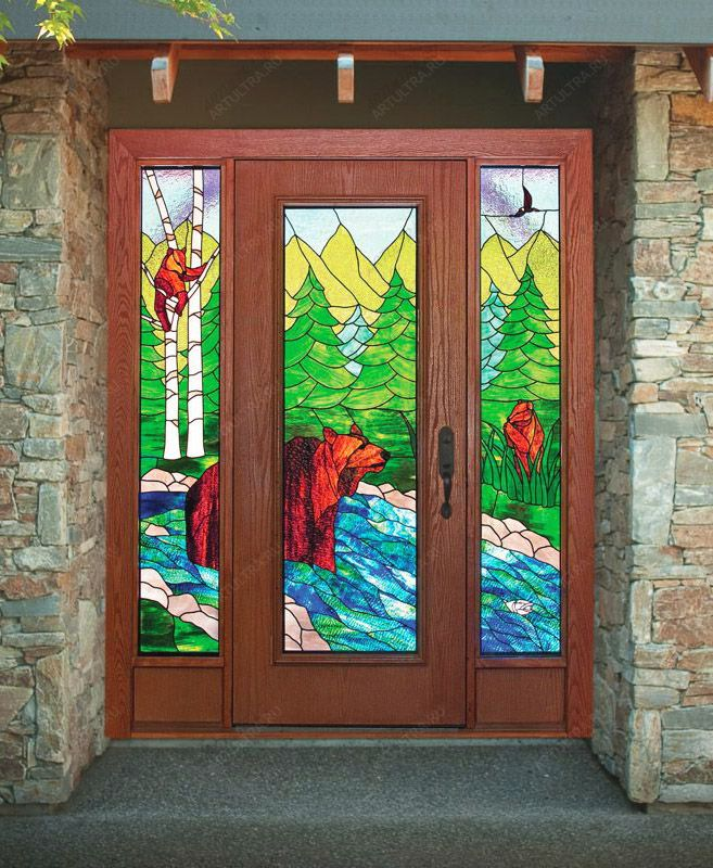 двери входные с витражом коттедж